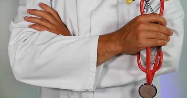 Riscuri in institutii si angajatii nevaccinati