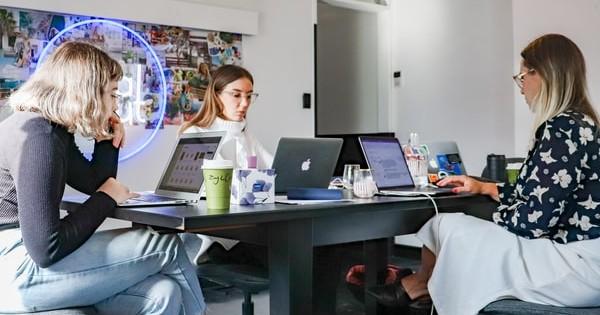5 beneficii pentru a pastra angajatii tineri in firma