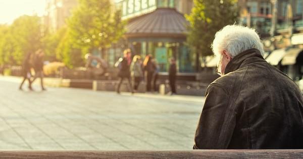 Proiect de reducere a varstei de pensionare pentru anumite categorii de salariati