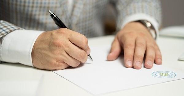 Contract administrator. Ce alte tipuri de contracte se mai pot incheia?