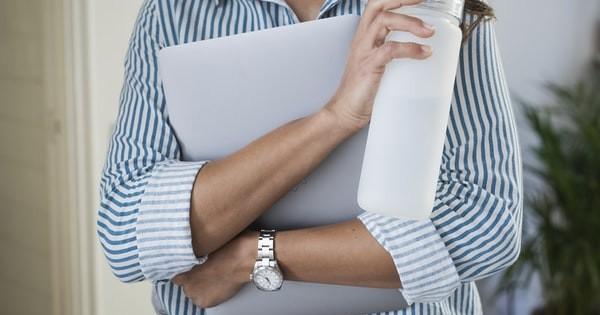 Activitate de formare profesionala. Se pot incheia contracte civile cu formatorii?
