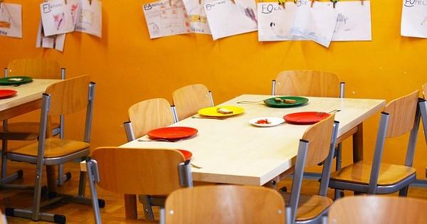 Proiect adoptat: Anteprescolarii si prescolarii vor primi zilnic cate o masa calda