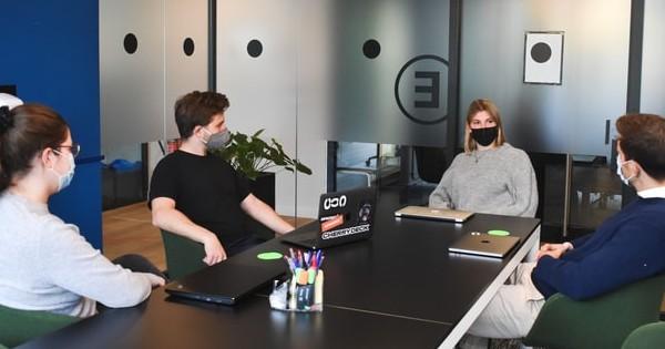 Fara masca de la 1 iunie pentru angajatii vaccinati daca sunt cel mult 5 in birou