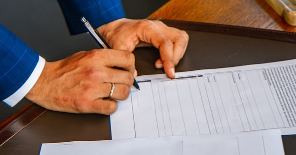 Firmele scapa de analiza de risc si dubla autorizare