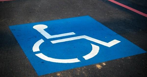 Decizie CCR: Neconstitutionalitate privind plata unor sume de institutiile si firmele care NU angajeaza persoane cu handicap