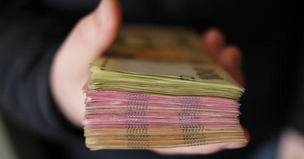 Salariul minim ar putea creste de la 1 ianuarie 2021. Cresterea, corelata cu productivitatea si inflatia