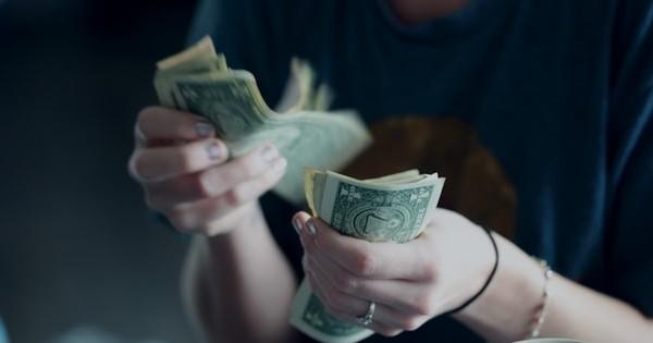 Salariul minim, majorat anual printr-o formula transparenta