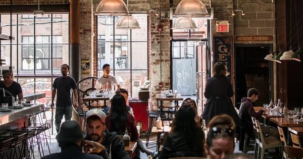 HoReCa: Se redeschid restaurantele, cafenelele, teatrele la 30% din capacitate